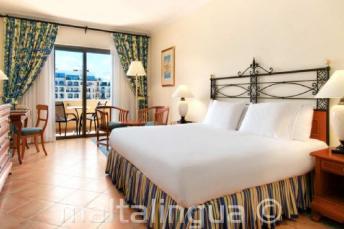 Dormitorio del Hotel Hilton en Malta