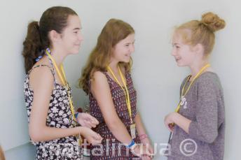 Estudiantes del programa de niños en la escuela