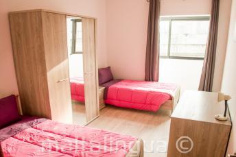 Habitación doble en el alojamiento de la escuela de inglés en Malta
