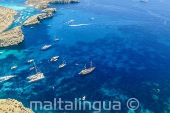 Foto desde arriba de nuestro viaje en barco a Comino