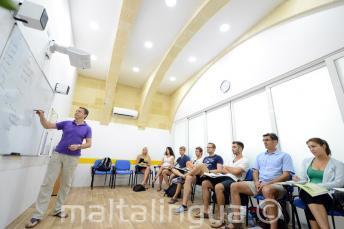 Aulas acondicionadas en la escuela de inglés en Malta