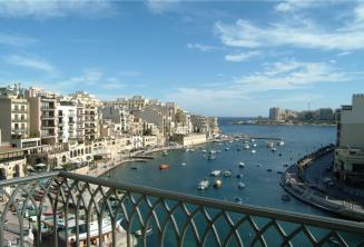 La vista de Spinola Bay desde el Hotel Juliani