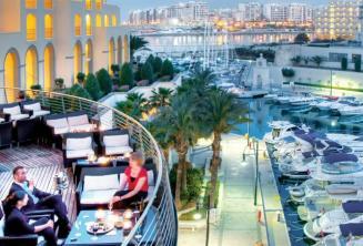 Balcón del Hilton y el puerto de Portomasso en Malta