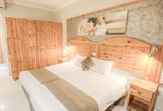 Dormitorio en el Hotel Alexandra, St Julians
