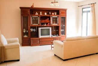 Sala de estar de una familia maltesa