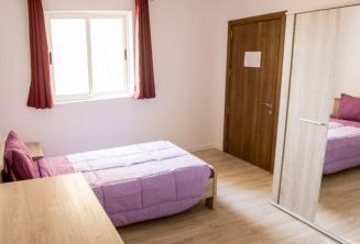 Habitación individual del alojamiento de la escuela