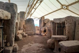 Los templos prehistóricos en Ħaġar Qim